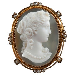 Cameo on Agate Gold Mount, 19th Century