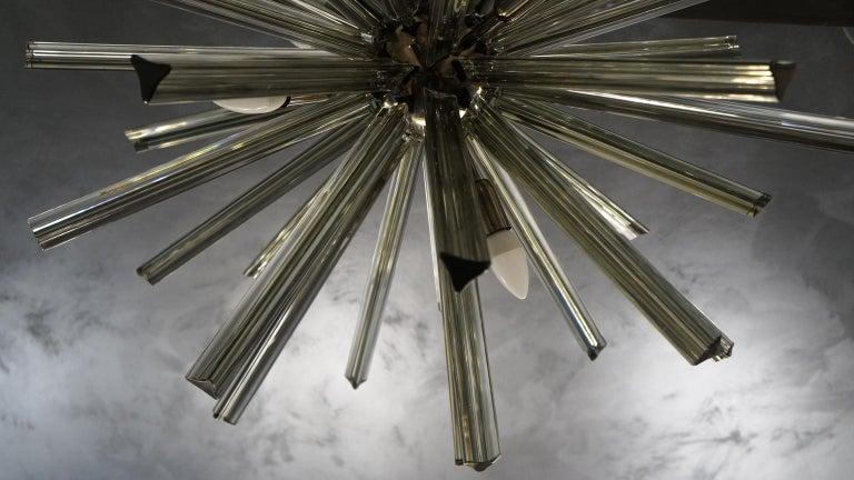 Hand-Crafted Camer Glass Mid-Century Modern Gray Triedri Murano Chandelier Sputnik, 1982 For Sale