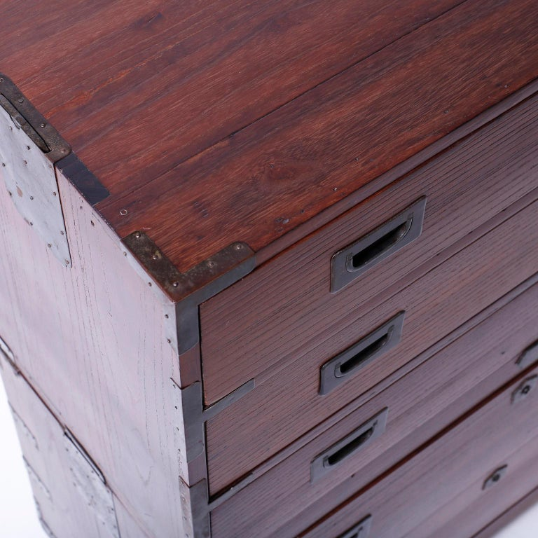 Campaign Chest of Drawers In Good Condition For Sale In Palm Beach, FL