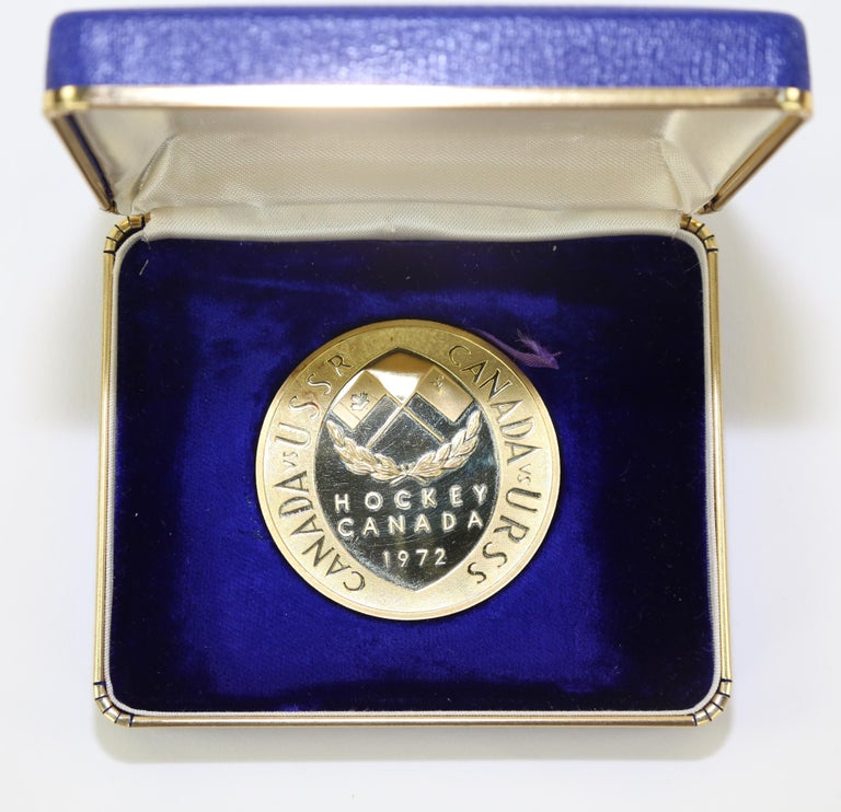 Canada USSR 1972 Hockey 20 Karat Gold Commemorative Presentation Medallion...A Great Estate Find for the Hockey Enthusiast! For many Canadians, the eight-game series between Team Canada and the National Team of the Soviet Union in 1972 provided the