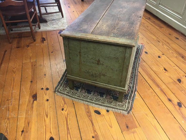 Canadian Original Painted Blanket Box In Good Condition For Sale In Sheffield, MA