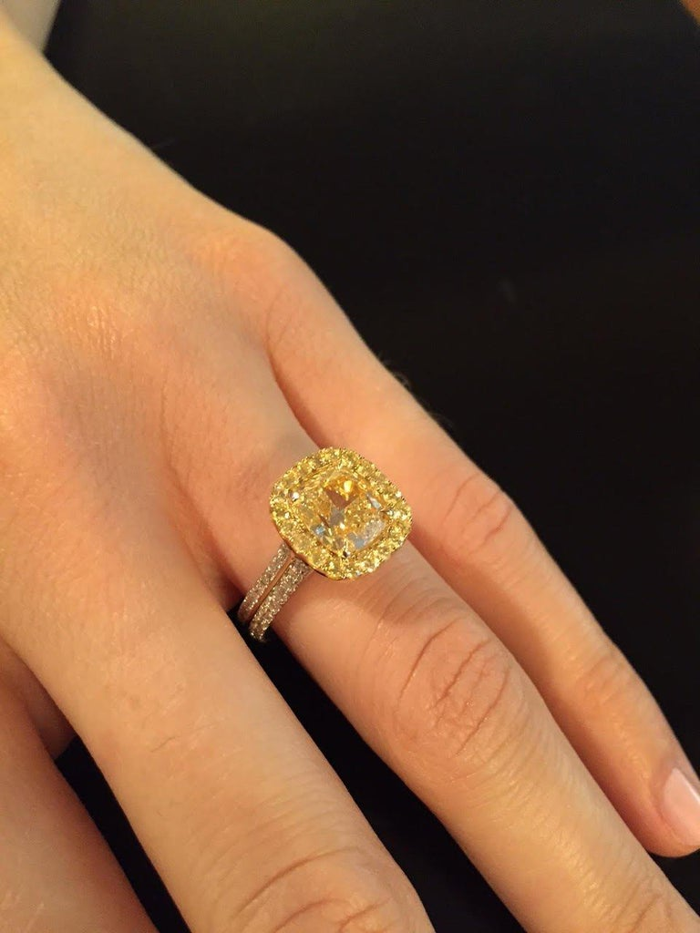 Yellow Diamond Ring Cushion Cut GIA 2.40 Carat Fancy Light Yellow Canary Diamond In New Condition For Sale In Beverly Hills, CA