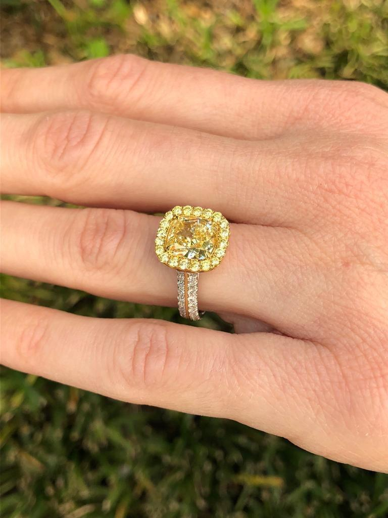 Yellow Diamond Ring Cushion Cut GIA 2.40 Carat Fancy Light Yellow Canary Diamond For Sale 1