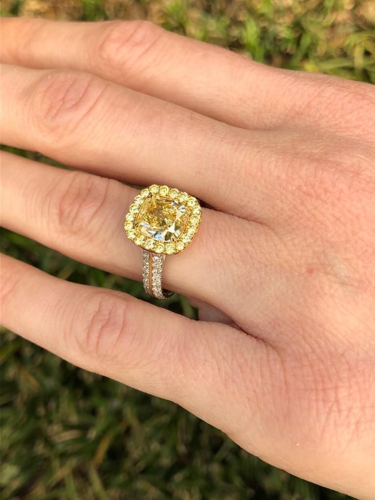 Yellow Diamond Ring Cushion Cut GIA 2.40 Carat Fancy Light Yellow Canary Diamond For Sale 2