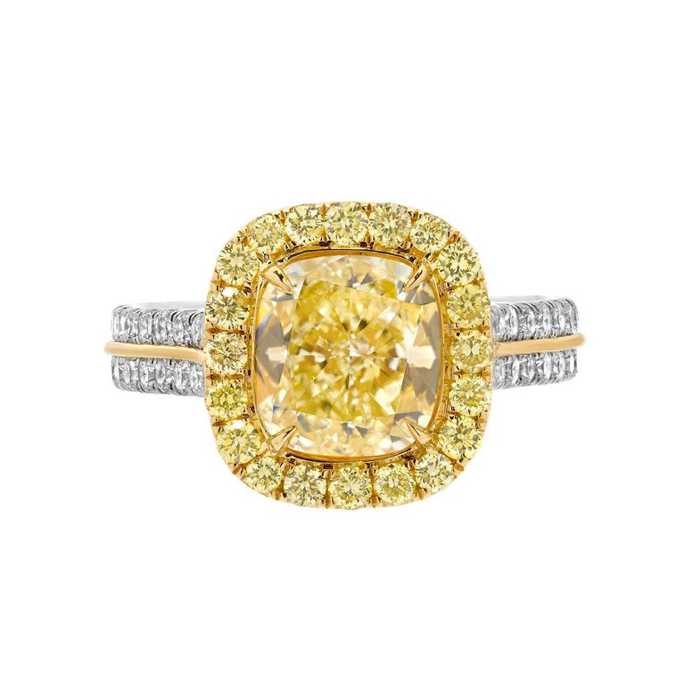 Canary Fancy Light Yellow Diamond Gold Platinum Ring 2.40 Carat GIA Certified For Sale