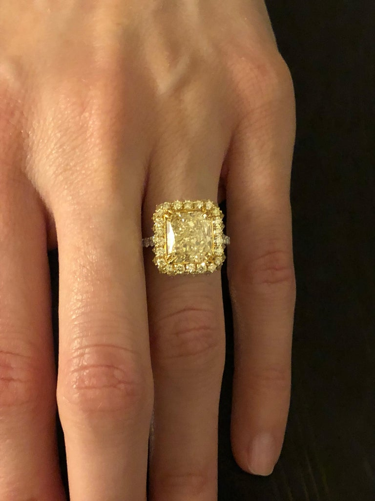 Yellow Diamond Ring Radiant Cut 3.78 Carat GIA Fancy Light Yellow Canary Diamond In New Condition For Sale In Beverly Hills, CA