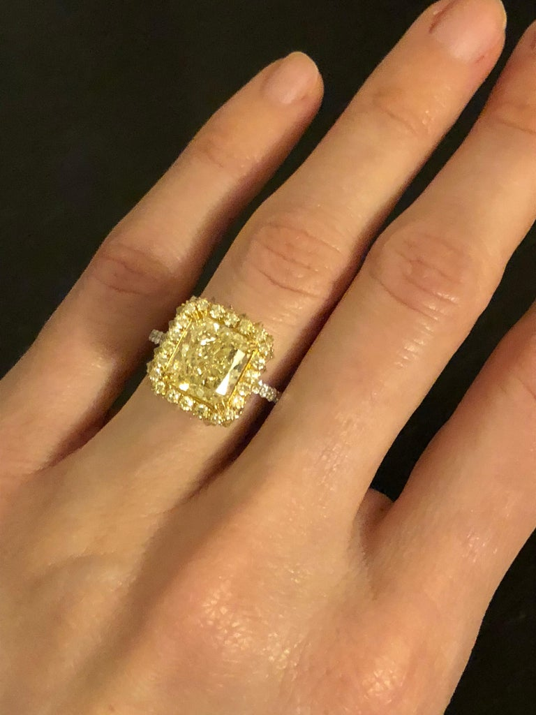 Women's Yellow Diamond Ring Radiant Cut 3.78 Carat GIA Fancy Light Yellow Canary Diamond For Sale