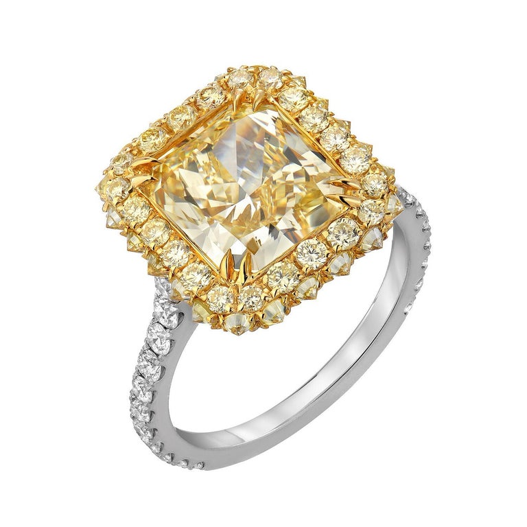 Yellow Diamond Ring Radiant Cut 3.78 Carat GIA Fancy Light Yellow Canary Diamond For Sale