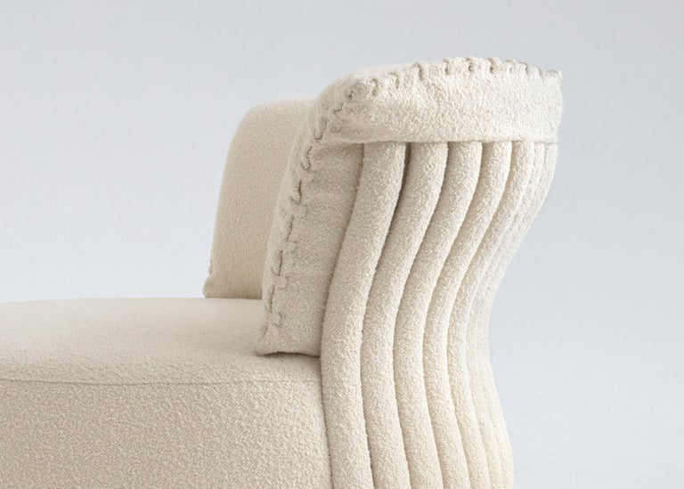 Contemporary Circular Single Sofa by Hessentia Upholstered in Fabric, Off-White In New Condition For Sale In MARIANO COMENSE, IT