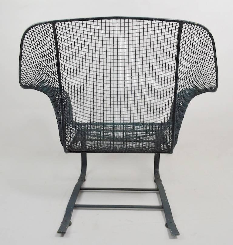 20th Century Cantilevered Lounge Chair by Woodard For Sale