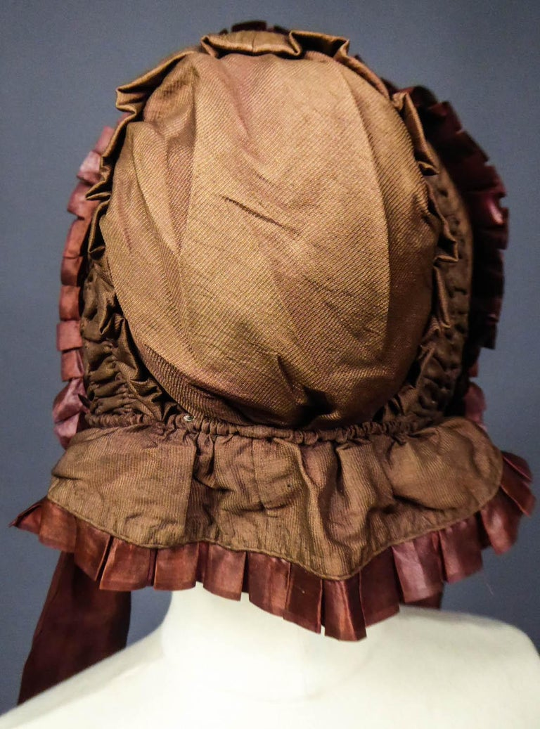Capote for Little Girl in Taffeta silk with Bavolet Circa 1860 For Sale 4