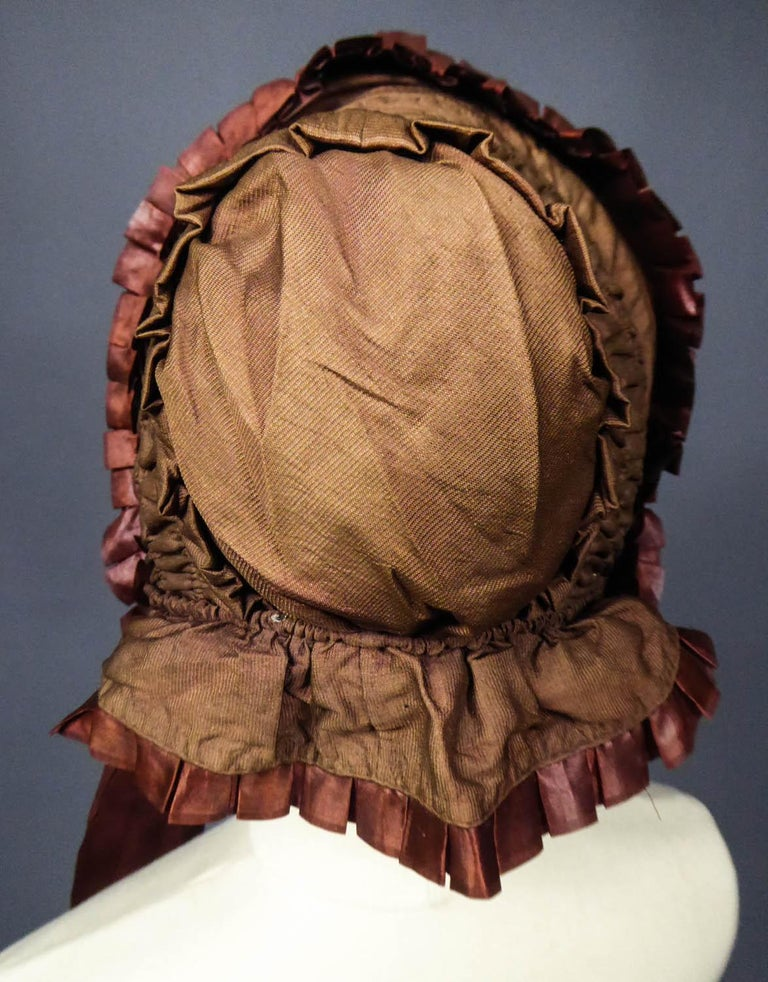 Capote for Little Girl in Taffeta silk with Bavolet Circa 1860 For Sale 5