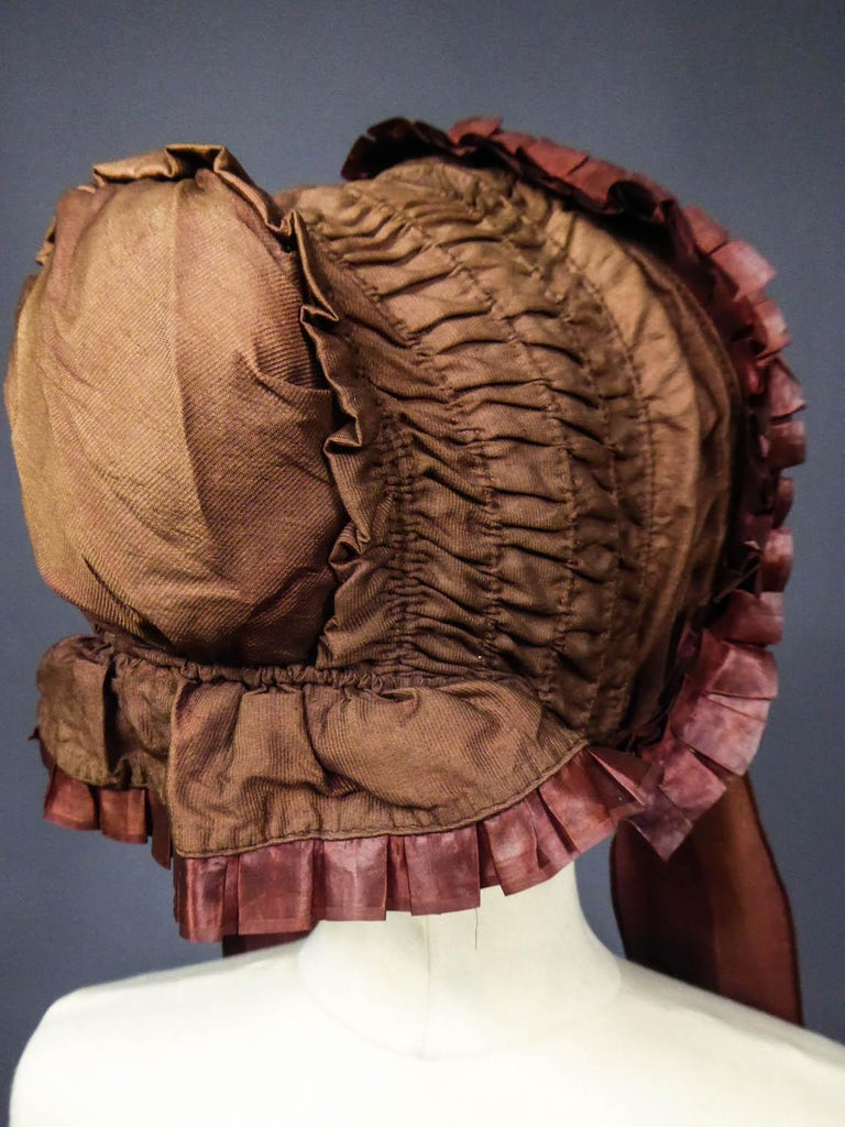 Capote for Little Girl in Taffeta silk with Bavolet Circa 1860 For Sale 6