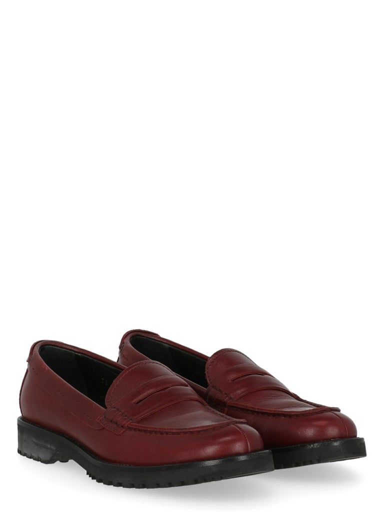 Shoe, leather, solid color, slip-on style, back logo, round toe, leather insole.  Includes: N/A  Product Condition: Very Good Upper: visible wrinkling.  Measurements: N/A  Composition: Upper: 100% Leather Sole: 100% Rubber  Color: Red Product ID: