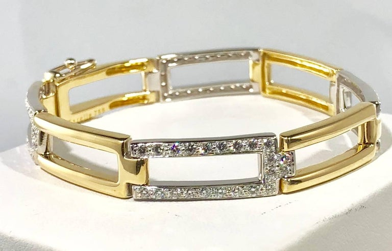 Round Cut Carelle 18 Karat Two-Tone Gold and Diamond Contemporary Link Bracelet For Sale