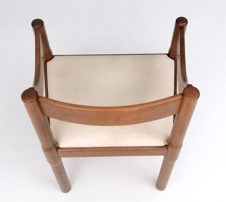 Upholstery 'Carimate' Walnut and Ivory Skai Chair by Vico Magistretti for Cassina, 1960s For Sale