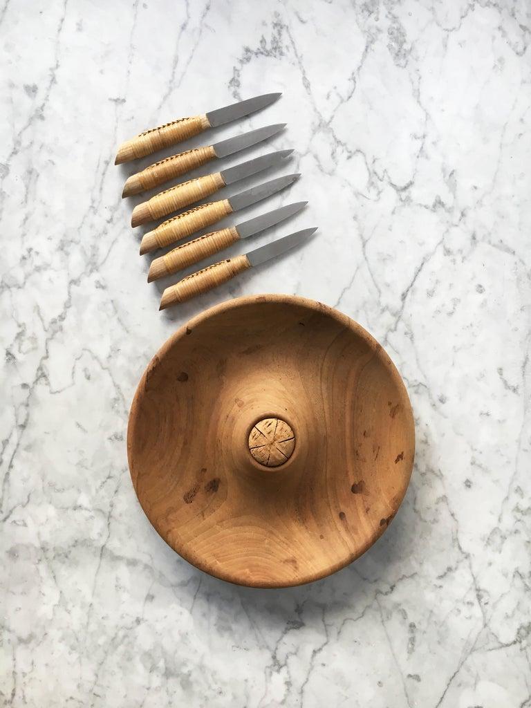 Carl Auböck Carved Walnut Fruit Bowl and Knife Set #4640, Austria, 1950 For Sale 4