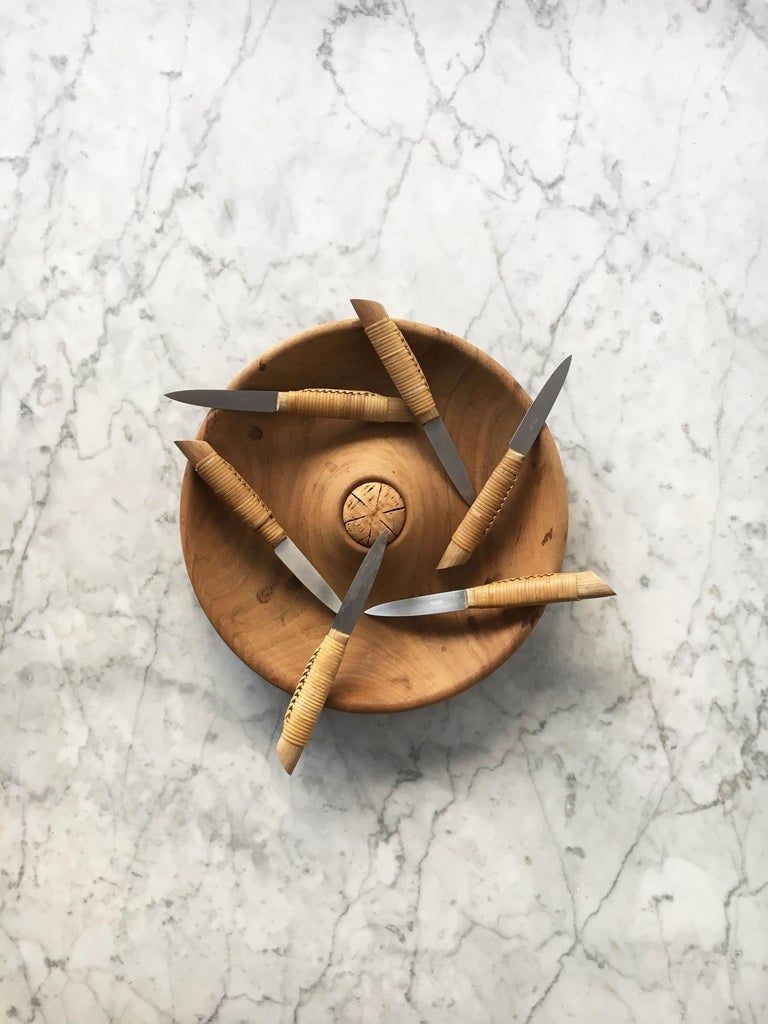 Stainless Steel Carl Auböck Carved Walnut Fruit Bowl and Knife Set #4640, Austria, 1950 For Sale