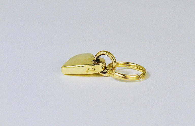 Carl Auböck Handcrafted Midcentury Brass Heart Figurine Key Ring Chain Holder In Excellent Condition For Sale In Vienna, AT