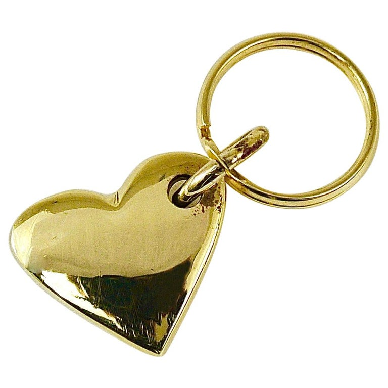 Carl Auböck Handcrafted Midcentury Brass Heart Figurine Key Ring Chain Holder For Sale