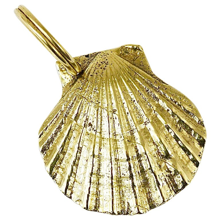 Carl Auböck Handcrafted Midcentury Brass Shell Figurine Key Ring Chain Holder For Sale