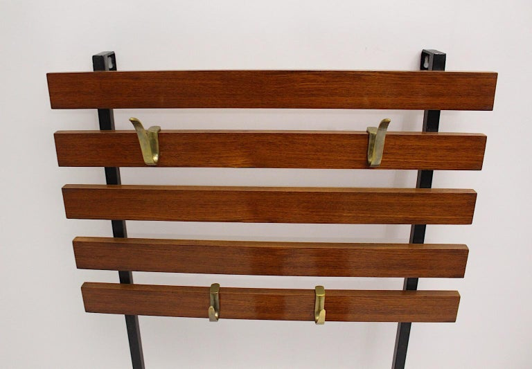 Mid-Century Modern Vintage Walnut Coat Rack with Carl Auboeck Hooks Vienna 1950s In Good Condition For Sale In Vienna, AT