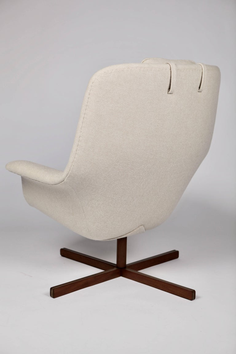 Mid-20th Century Carl Gustaf Hiort af Ornäs, Caravelle Armchair, Finland, 1962 For Sale