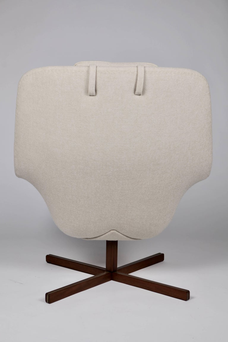 Upholstery Carl Gustaf Hiort af Ornäs, Caravelle Armchair, Finland, 1962 For Sale