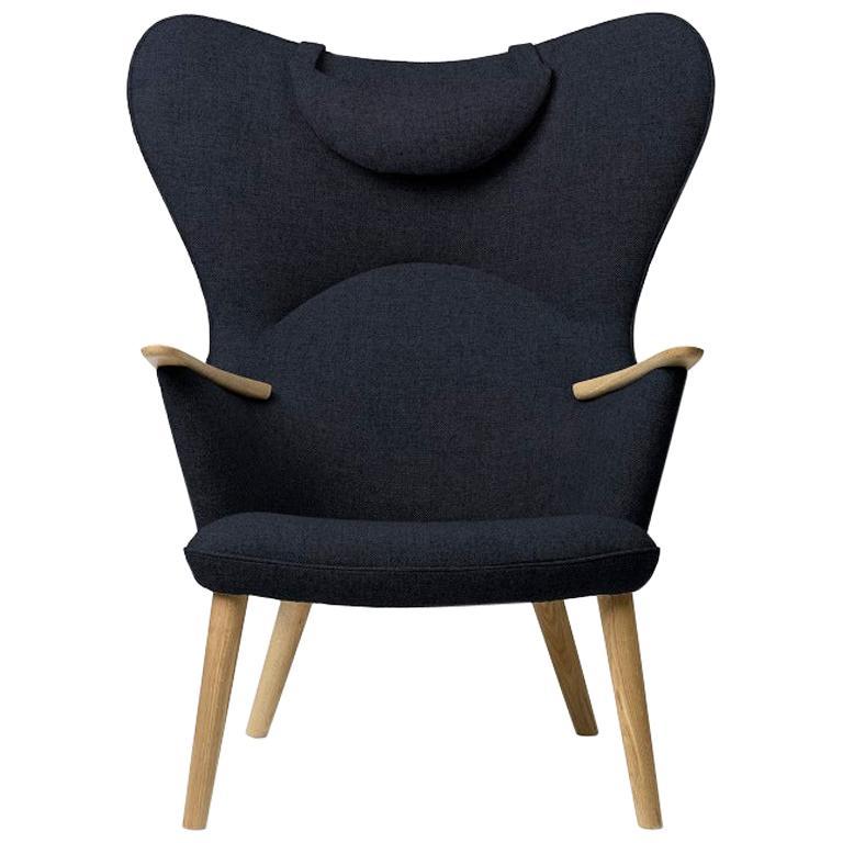 Carl Hansen CH78 Mama Bear Chair in Oak/ Fiord 0782 Fabric by Hans J. Wegner For Sale