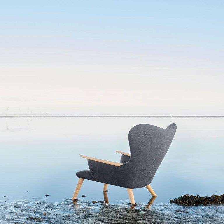 Carl Hansen CH78 Mama Bear Chair in Oak/ Fiord 0961 Fabric by Hans J. Wegner In New Condition For Sale In New York, NY