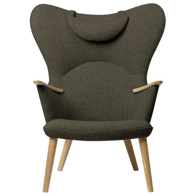 Carl Hansen CH78 Mama Bear Chair in Oak/ Fiord 0961 Fabric by Hans J. Wegner For Sale