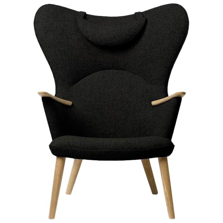 Carl Hansen CH78 Mama Bear Chair in Oak/ Fiord 0991 Fabric by Hans J. Wegner For Sale