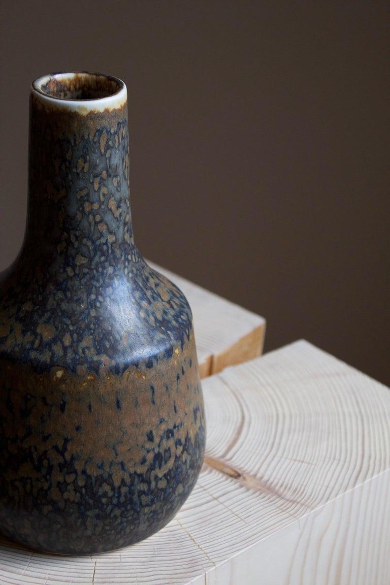 Carl-Harry Stålhane, Vase, Brown / Blue Glazed Stoneware, Rörstrand, 1960s In Good Condition For Sale In West Palm Beach, FL