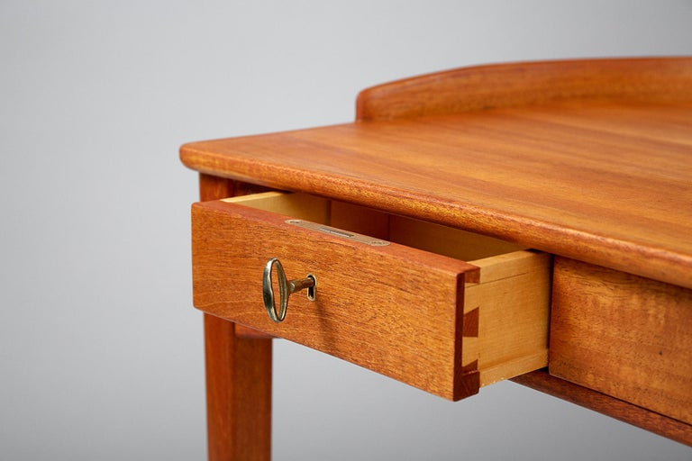 Carl Malmsten Birgitta Dressing Table, Mahogany In Excellent Condition In London, GB