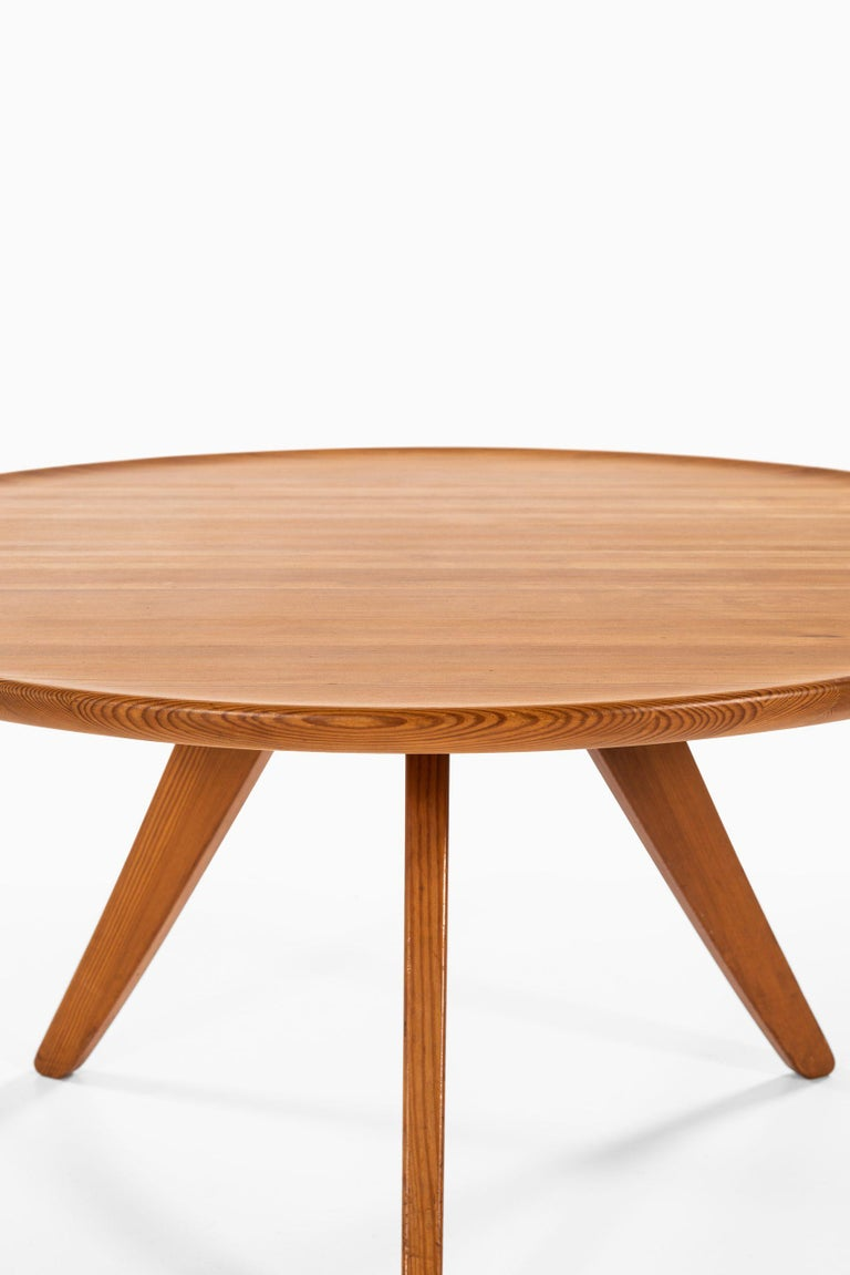 Scandinavian Modern Carl Malmsten Coffee Table Produced by Svensk Fur in Sweden For Sale