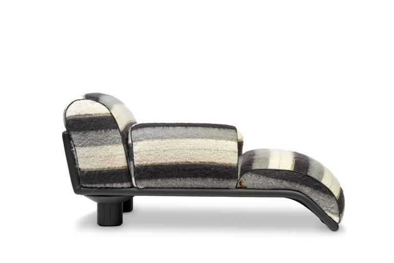 Leather Carlo Bartoli Rossi di Albizzate Chaise Longue Reupholstered in Dedar Oz Fabric For Sale