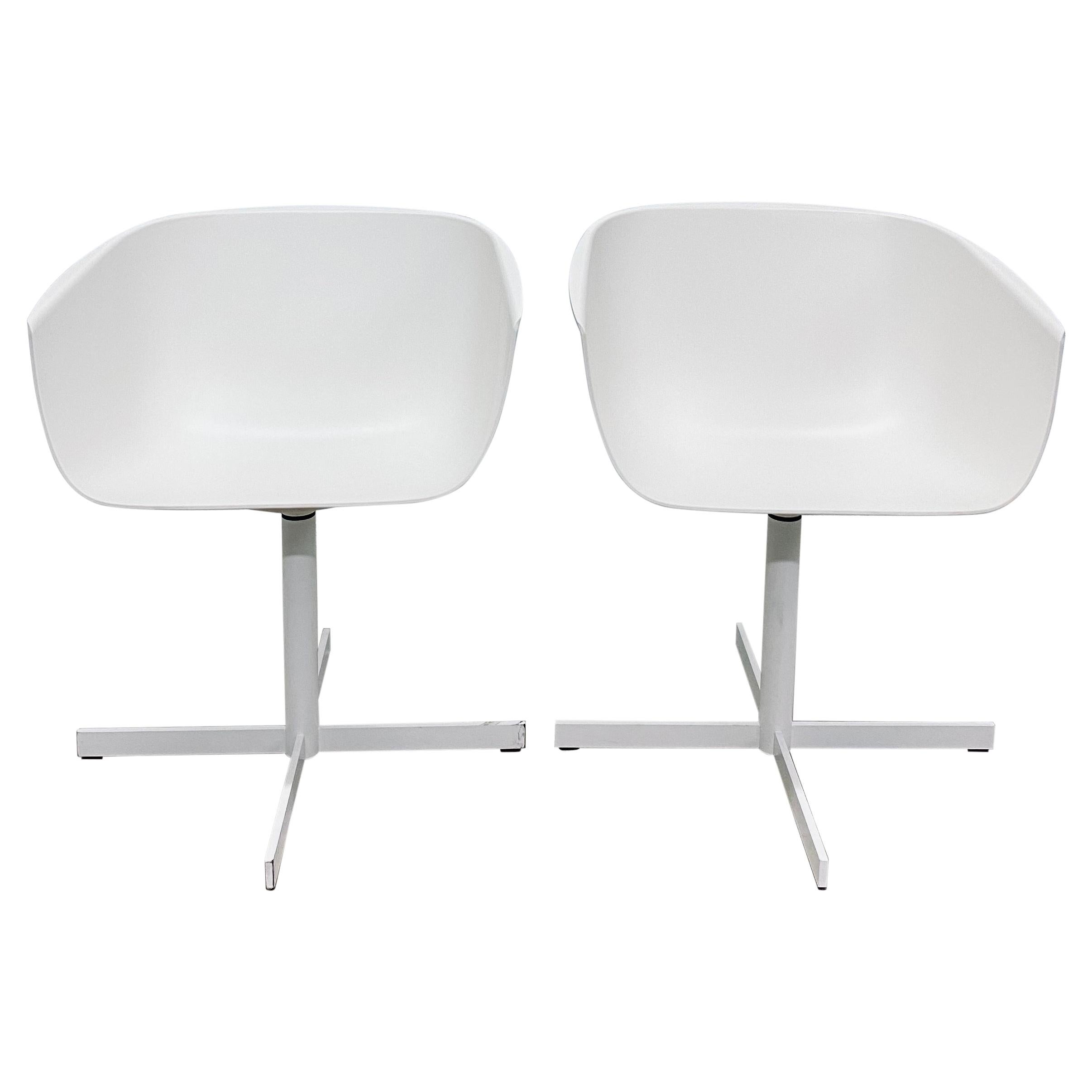 """Carlo Colombo Postmodern """"Strip"""" Matte White Swivel Chairs for Poliform, a Pair"""