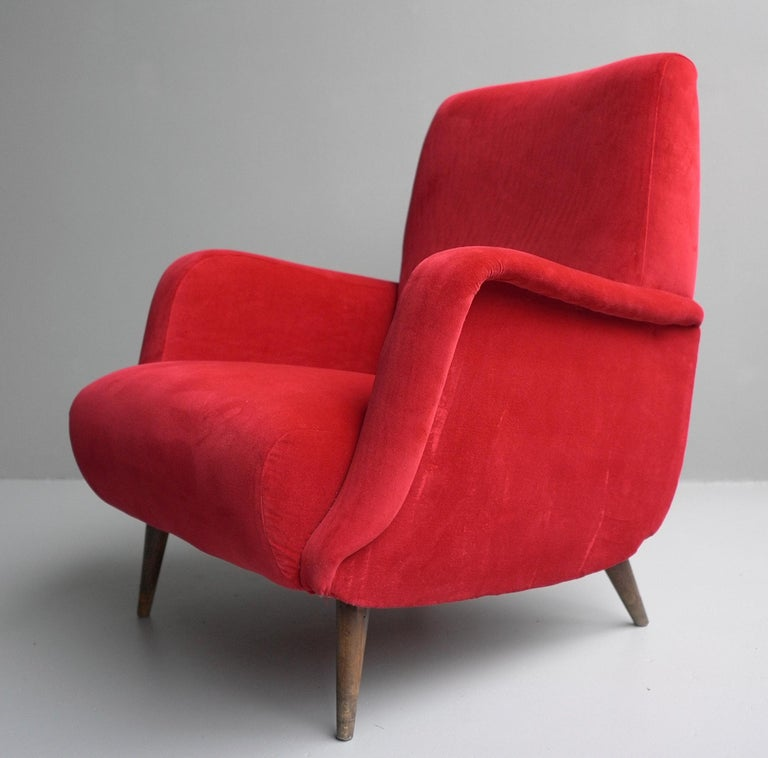 Carlo de Carli Red velvet and Walnut Armchair Model 806 by Cassina, Italy, 1955 For Sale 5