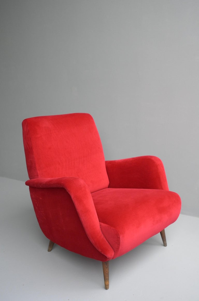 Carlo de Carli Red velvet and Walnut Armchair Model 806 by Cassina, Italy, 1955 For Sale 7