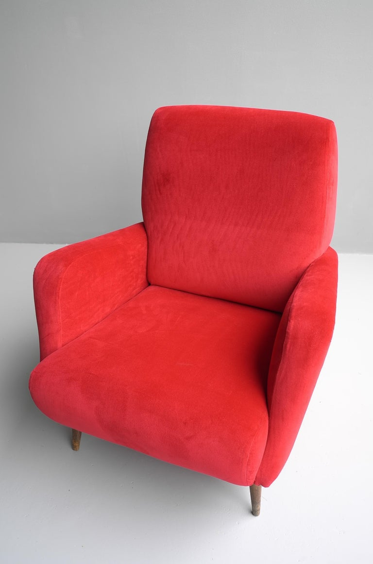 Carlo de Carli Red velvet and Walnut Armchair Model 806 by Cassina, Italy, 1955 For Sale 9