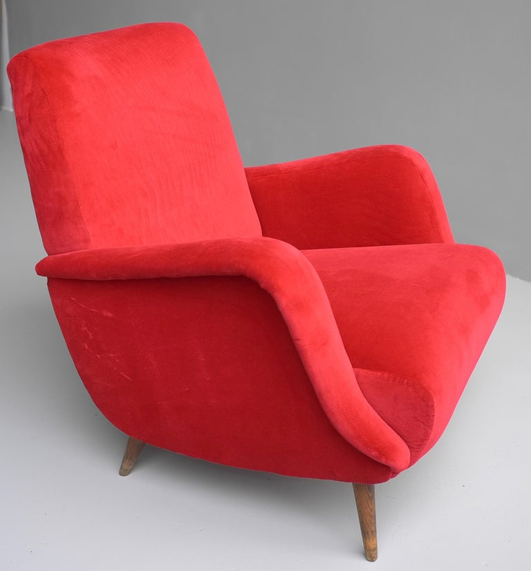 Carlo de Carli Red velvet and Walnut Armchair Model 806 by Cassina, Italy, 1955 For Sale 11