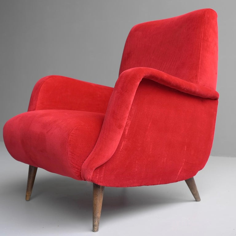 European Carlo de Carli Red velvet and Walnut Armchair Model 806 by Cassina, Italy, 1955 For Sale