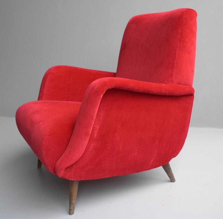 Mid-20th Century Carlo de Carli Red velvet and Walnut Armchair Model 806 by Cassina, Italy, 1955 For Sale
