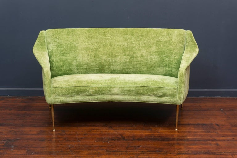 Rare settee model #159 designed settee by Carlo de Carli for Singer & Son's, Italy. Classic Italian midcentury design that is comfortable and sophisticated. Original velvet upholstery on polished brass legs.