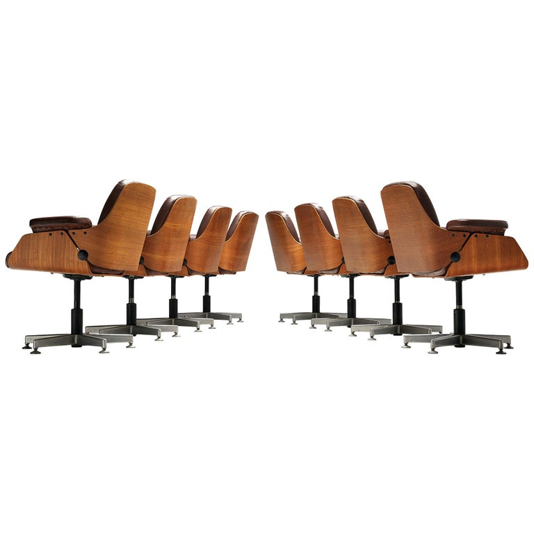 Carlo Fongaro Set of Eight Conference Chairs 'Probjeto' in Mahogany and Leather For Sale