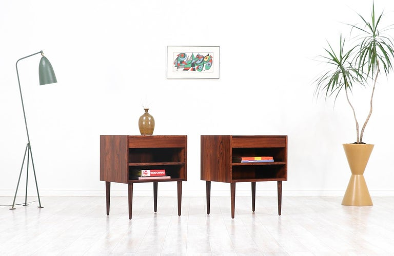 Mid-Century Modern Carlo Jensen Rosewood Nightstands for Hundevad & Co. For Sale