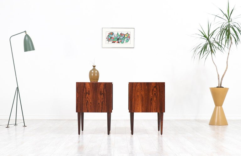 Carlo Jensen Rosewood Nightstands for Hundevad & Co. In Excellent Condition For Sale In Los Angeles, CA