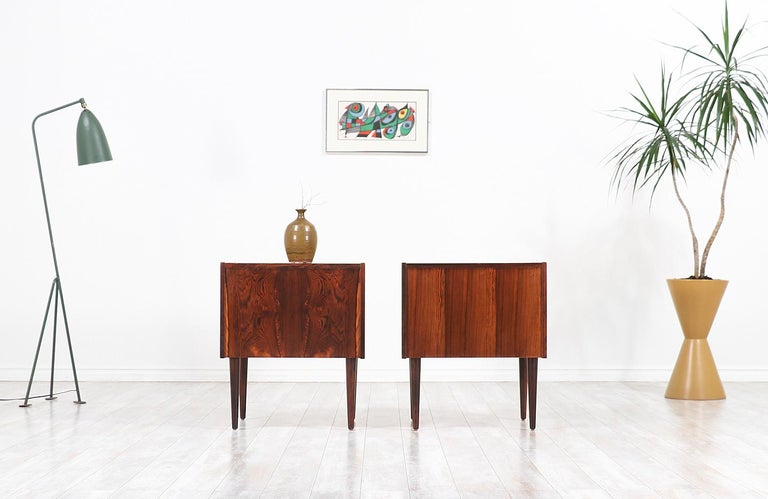 Mid-20th Century Carlo Jensen Rosewood Nightstands for Hundevad & Co. For Sale