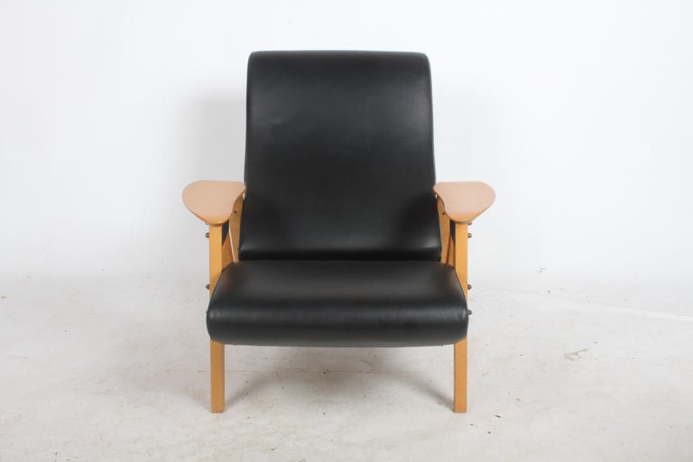 Carlo Mollino Gilda Lounge Chair by Zanotto Italy For Sale 1