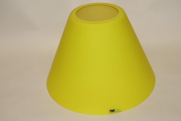 Carlo Nason Floor Lamp Murano Lemon Yellow Glass Diffuser Fuchsia Anodized Stem For Sale 4